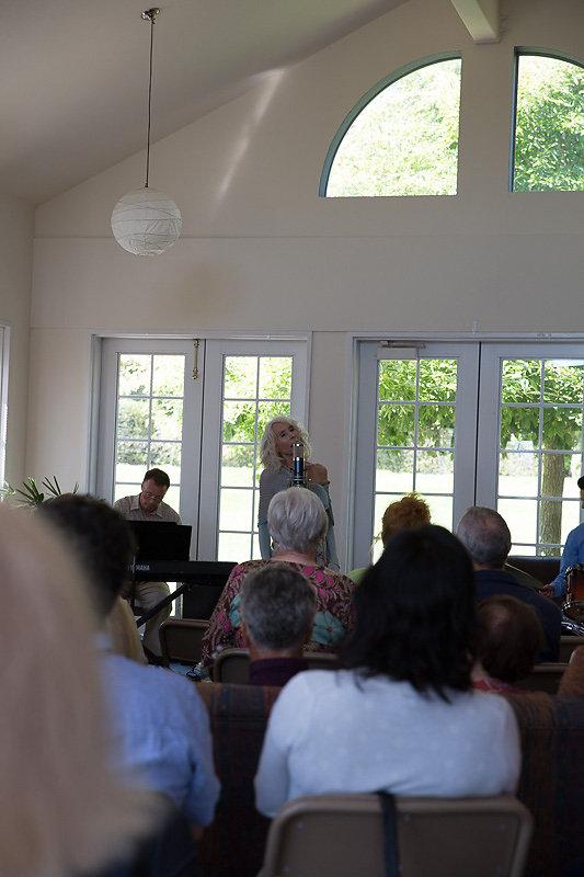 Janice-Cook-Sings-8200.jpg