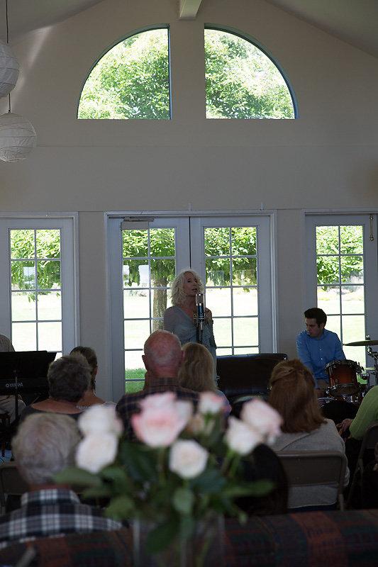 Janice-Cook-Sings-8201.jpg